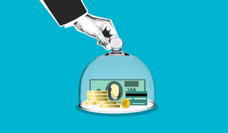 mano denaro sotto vetro simbolo protezione denaro