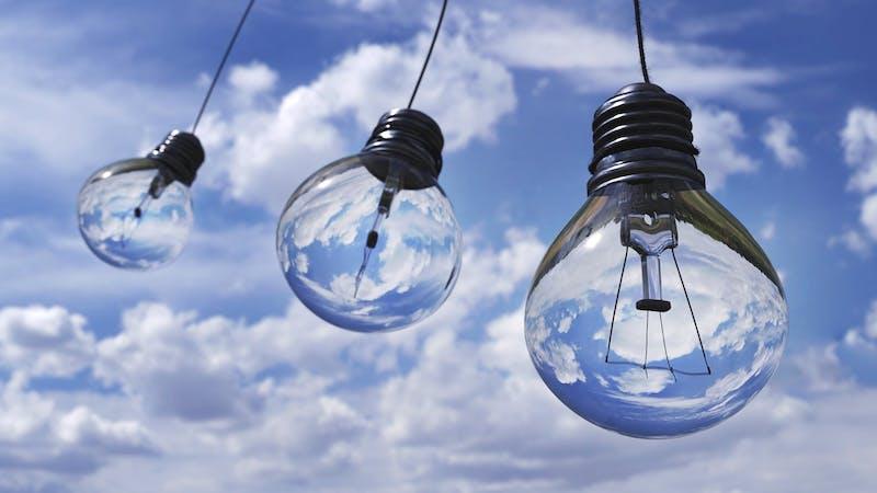 lampadine sfondo cielo - fattori ESG