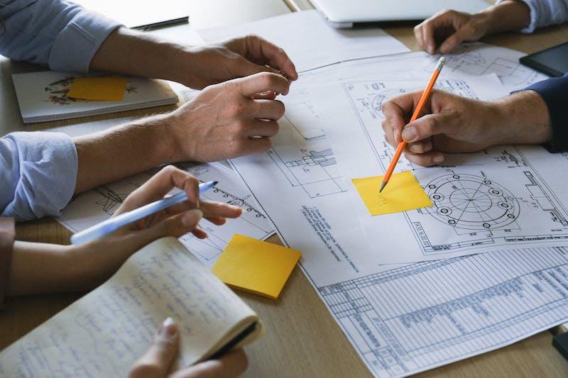 team che lavora - accesso al credito e fattori ESG